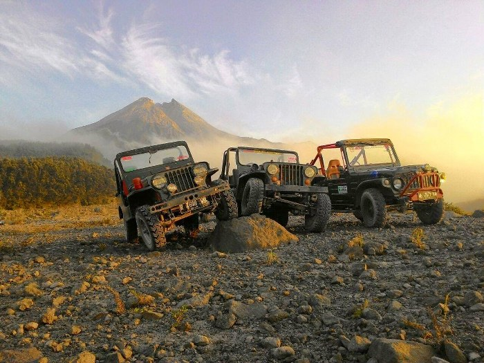 merapi jeep lava tour | jomblang cave